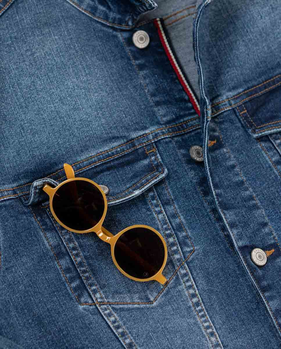 /c/a/cazadora-gafas-amarillas.jpg
