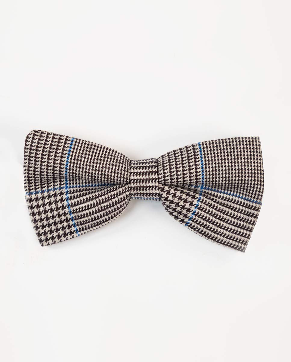Prince of Whales Check Bow Tie W/Blue Outline Image 2